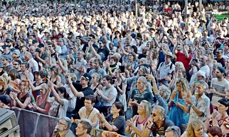 Break Free Queen Tribute Show - Spa Tribute Festival 06-201836681146_10214891735120874_6653970665919479808_o